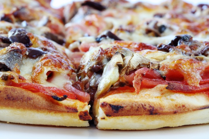 Anchovy Pizza Recipe http://gourmetpizzamadeeasy.com/making-pizza-at-home-recipe/